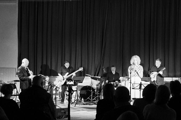 Mezcal Jazz Unit invite Sarah Ruohoniemi
